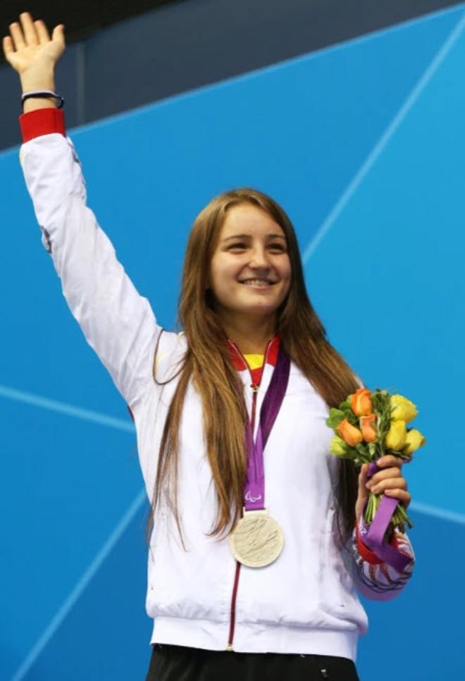 Elena Krawzow là VĐV khuyết tật khá nổi tiếng