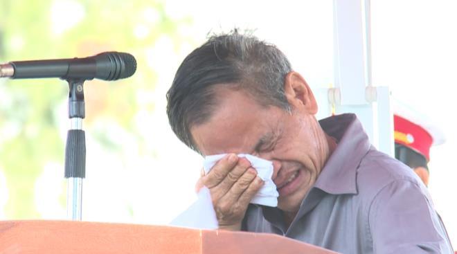 Niềm vui đẫm nước mắt trong khoảnh khắc 27 liệt sĩ 'đoàn tụ' với gia đình - 2