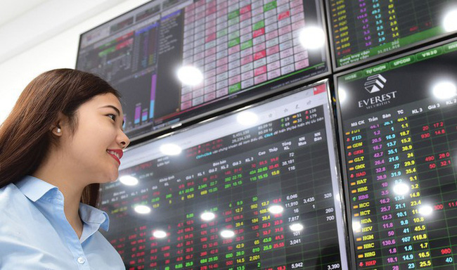 Bản tin kinh tế, tài chính ngày 16/9/2021: Ngân hàng bất ngờ tăng lãi suất tiền gửi