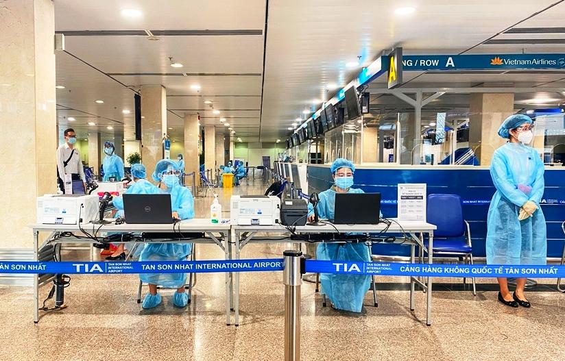 Dừng đường bay Hà Nội-TP.HCM và nhiều tỉnh đang giãn cách xã hội