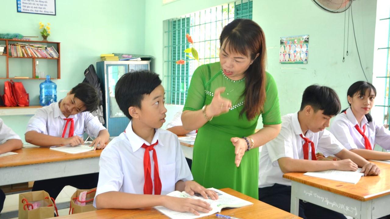 Cô giáo chuyên dạy học cho trẻ khuyết tật kể về những khó khăn trong nghề